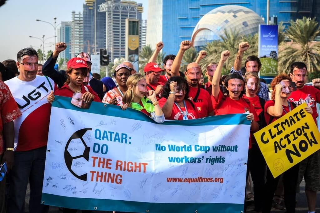 Miles de personas de origen migrante mueren en las obras del Mundial de Qatar 2022