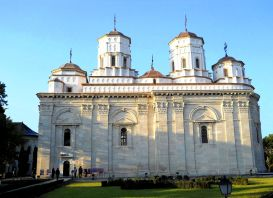 manastirea-golia22