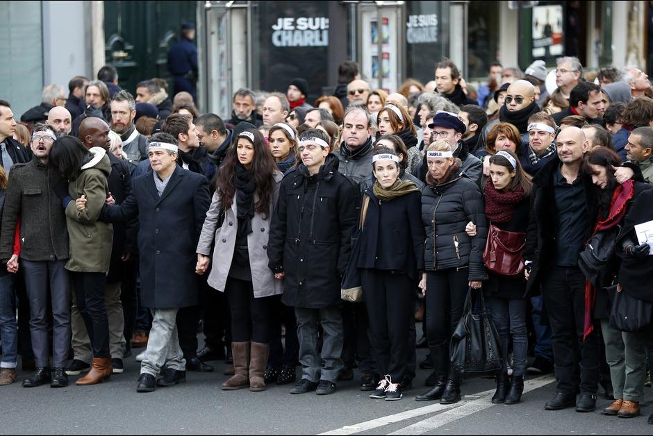Marsul Solidaritatii de la Paris -rudele victimelor