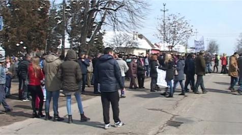 ARADCU PROTEST DRUM ARAD SA24MART (3)