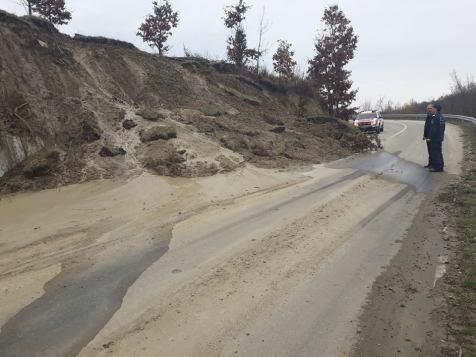alunecare de teren (9)