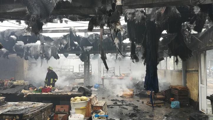 incendiu piata arad 8
