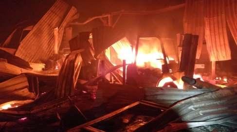incendiu hala lemn (2)