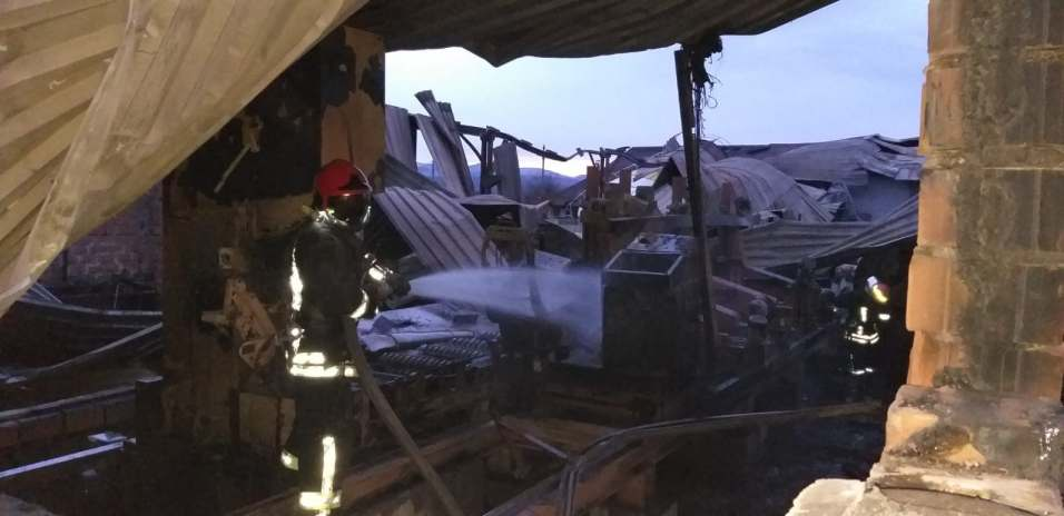 incendiu hala lemn (9)