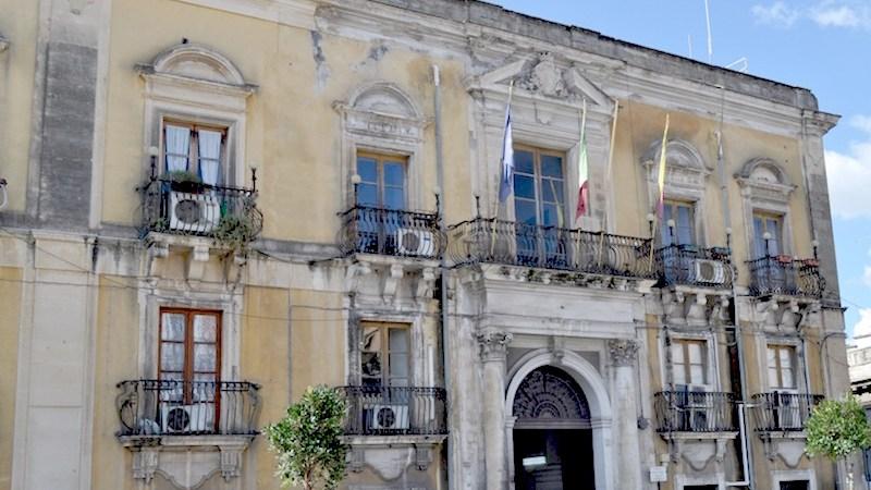 Lentini, Coronavirus, il sindaco del Comune di Lentini ordina la chiusura degli esercizi di vendita al dettaglio.