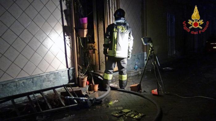 Riposto, Incendio in casa, un morto intossicato