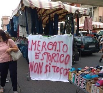 """Lentini, I commercianti del mercato settimanale del """"Giovedì protestano per il trasferimento a Largo Barcellona"""