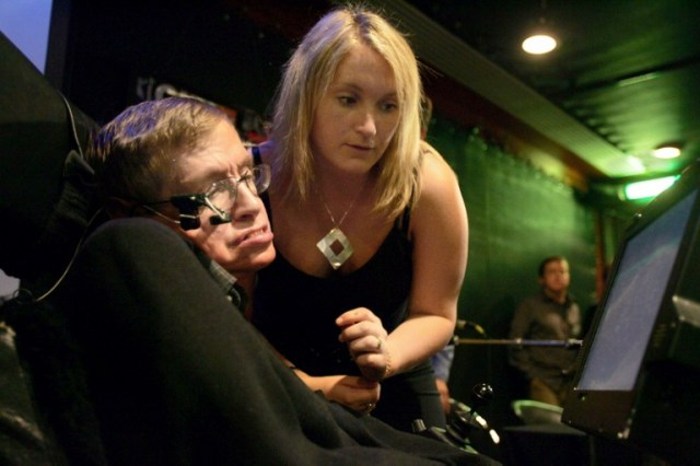 Stephen Hawking si Elaine (2006) AFP PHOTO JOEL SAGET
