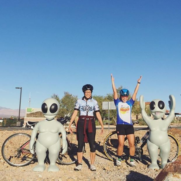 We encountered some stranded extra-terrestrials on this morning's ride. They were cool enough to pose with us. Lol only in Vegas!! #cycling