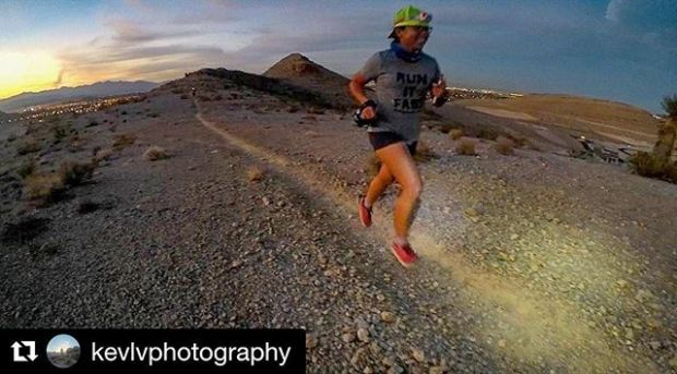 Monday night's new trails & city lights. Thanks for the photo @kevlvphotography #trailrunningvegas