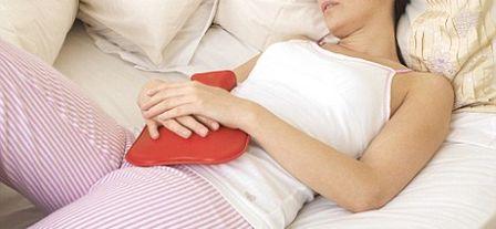 Причины головной боли, тошноты и температуры в критические дни
