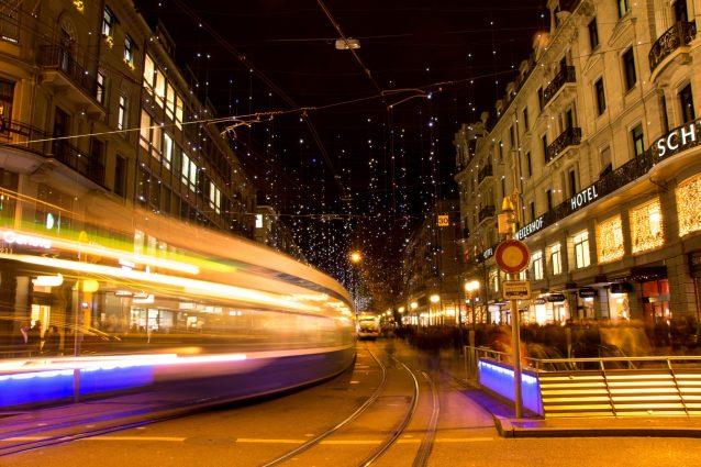 Bahnhofstrasse Zürich mit Weihnachtsbeleuchtung Lucy