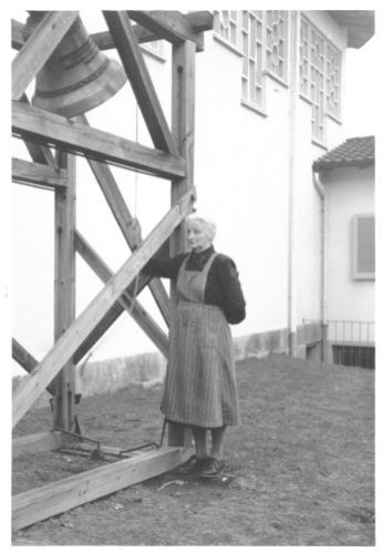Letztes Läuten des provisorischen Glöckleins Marie Halter