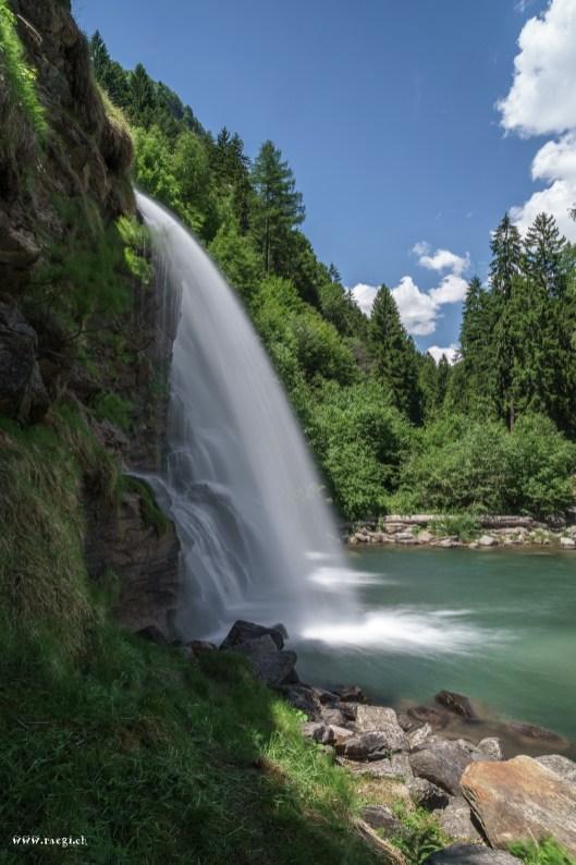 Cascada Piumogna Ticino