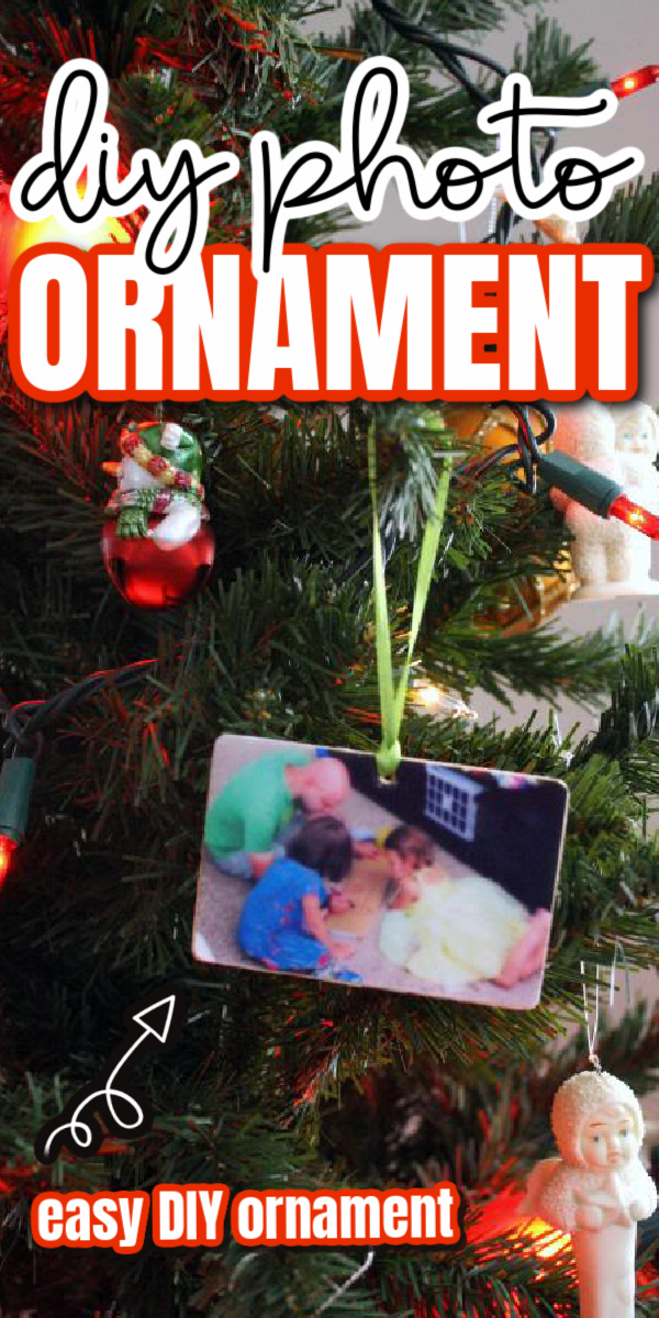 how to make a professional looking photo ornament right at home. Great Christmas craft idea.