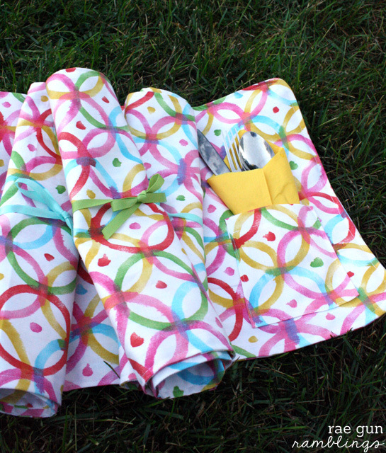 Make your own picnic placemats - Rae Gun Ramblings