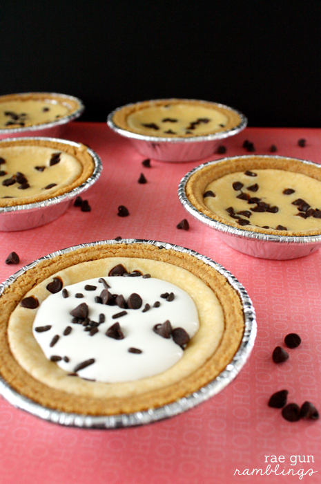 How to make mini chocolate chip cheesecakes - Rae Gun Ramblings #cheesecake #recipe