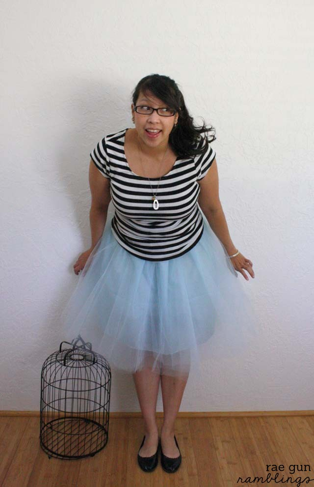 Easy and inexpensive 30 minute tulle party skirt tutorial at Rae Gun Ramblings