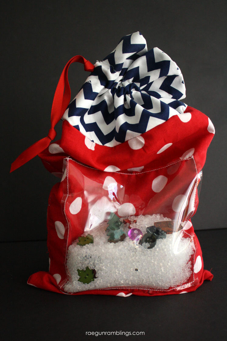great sewing tutorial for making a Summer kids I SPY activity bag