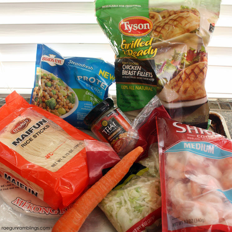 What ingredients you need to make Vietnamese Summer Rolls (spring rolls) and peanut butter sauce.