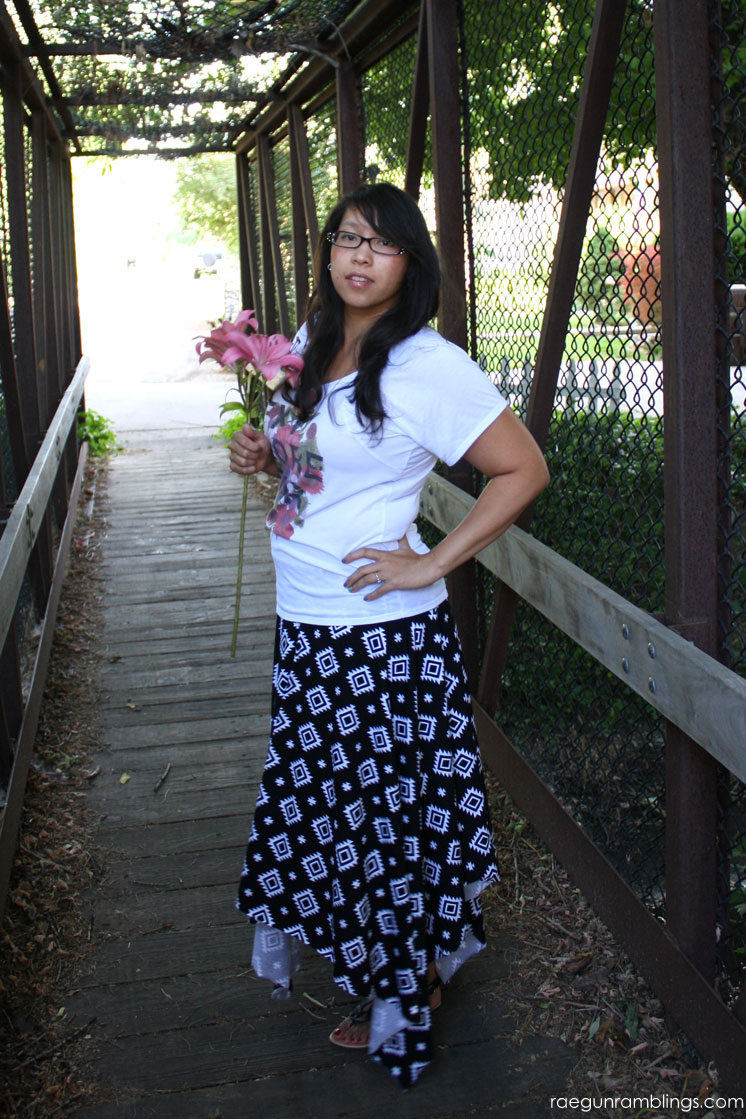 Super cute and easy square maxi skirt tutorial.