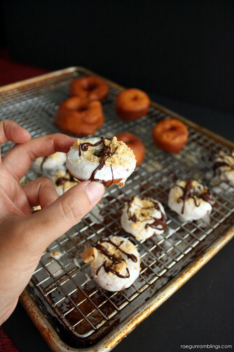 super yummy smores donuts recipe