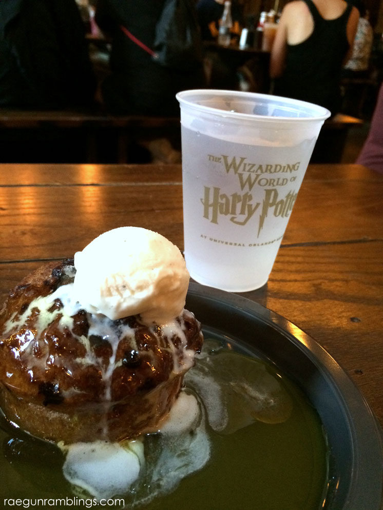 Sticky Toffee pudding at the wizrading world of harry potter
