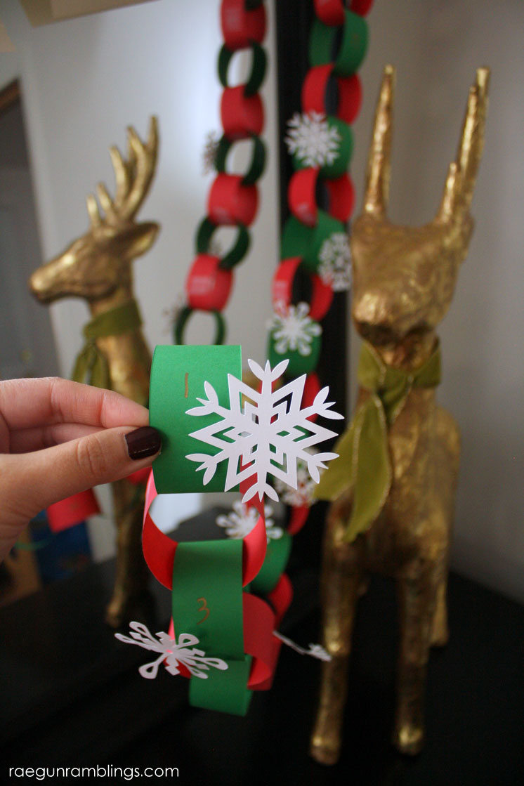 This is such a great idea. Teach kids about giving time and energy with an easy DIY advent calendar of giving