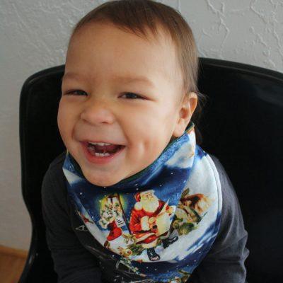 10 Minute Holiday Handkerchief Scarf Tutorial