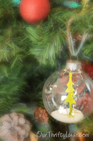 Cute and easy DIY snow globe ornament tutorial