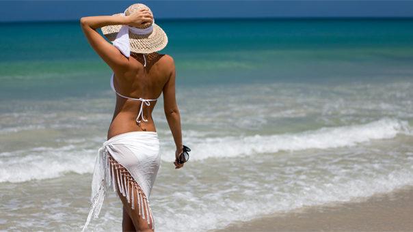 Sulle spiagge con il bikini fai-da-te per l'estate 2013 – Sfilate