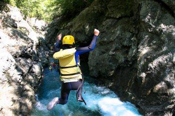 HOA_rafting_hokkaido_1000px--2_canyoning