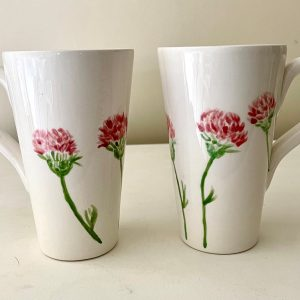 Hand-painted Large Tall Mug – Red Clover 20m
