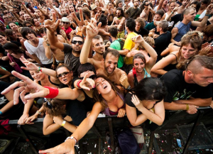 Crowd crushing behaviours