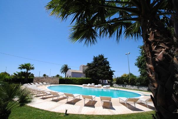 CasaCiomod swimming pool