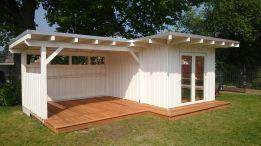 Gartenhaus mit Terrasse und Überdachung