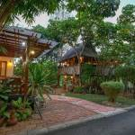 11-tropical-family-cottage-001