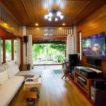 11-tropical-family-cottage-005