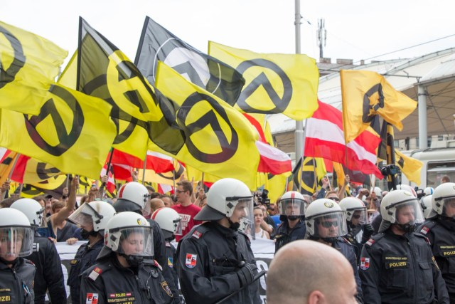 Identitäre on the Gürtel.