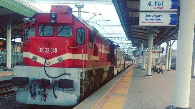 izmir mavi treni sefer saatleri guzergah ve bilet fiyati