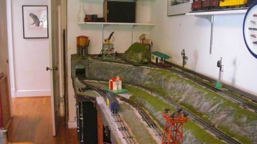 small resolution of the layout has realistic ground and rock work plus a couple of wooded hills most of the rock faces are removable to reach hidden track sections and wiring