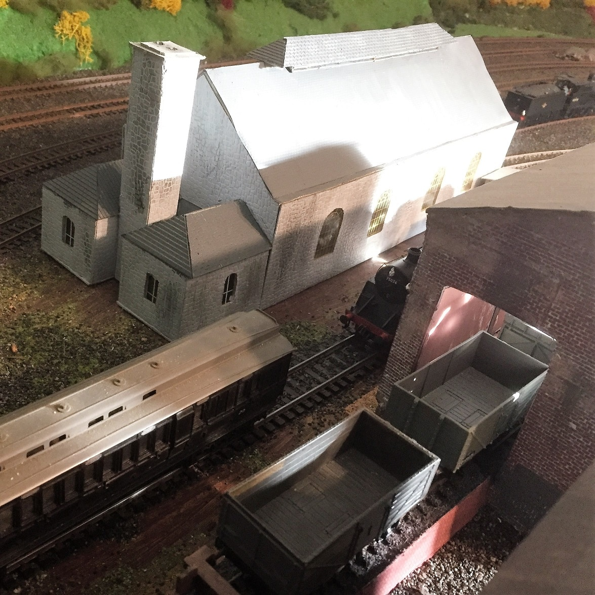 Model railway 00 gauge - Rear of coal stage and Midland shed
