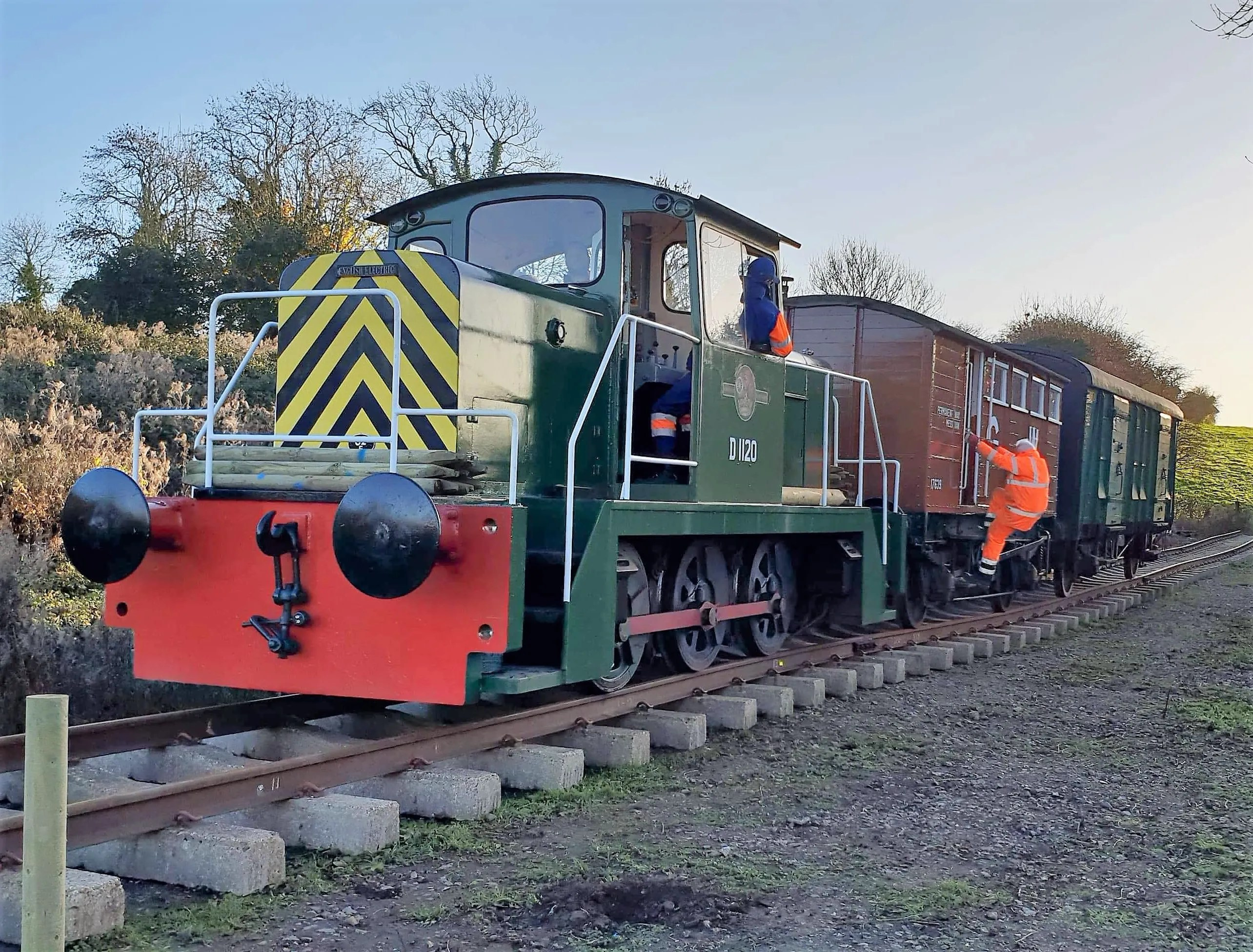 English Electric shunter at D1120 Somerset and Dorset Railway