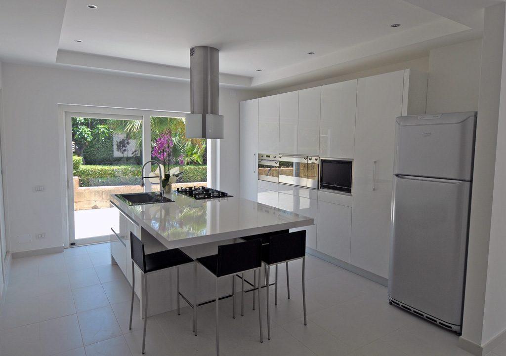 Immagini cucine in muratura idee di interior design per for Bardiani arredamenti