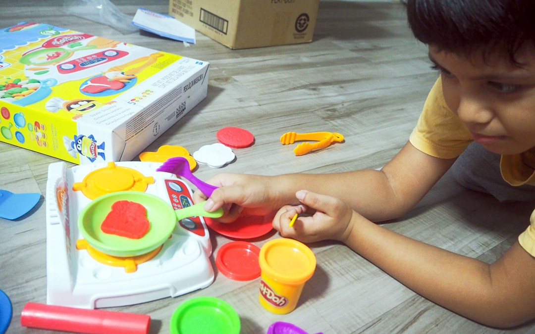 Play-doh kitchen creations = endless play possibilities