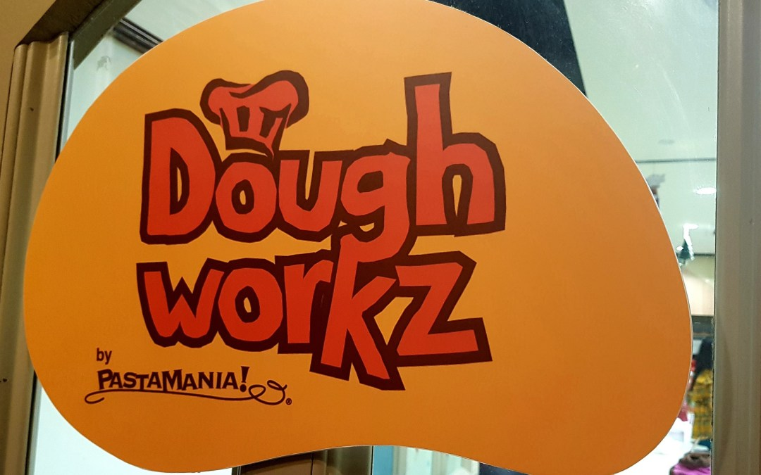 SocialMediaMomSG @ Doughworkz by PastaMania Christmas Pizza Baking Workshop