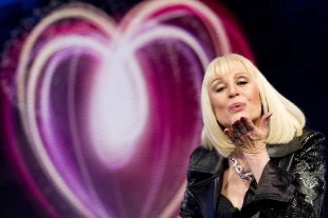 Addio a Raffaella Carrà, regina della tv. Aveva 78 anni - Rai News