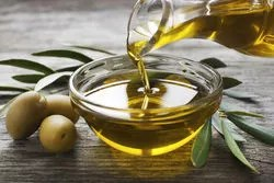 olive oil can prevent signs of  photo-aging and blemish