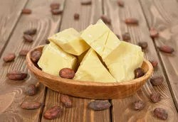 Cocoa butter helps to dehydrate your thin and dry lips