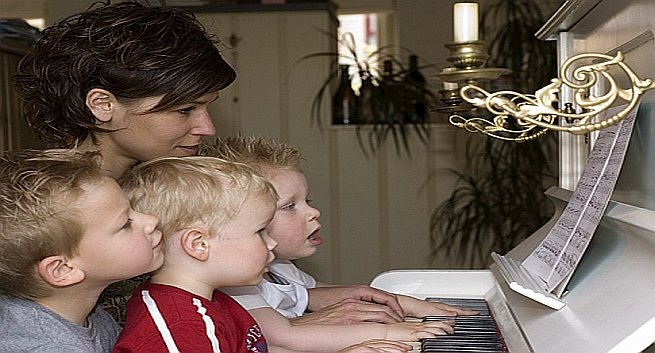 The Benefits of Music and Music Education on Children's Brains